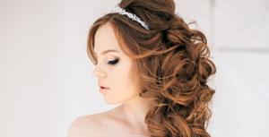 Duyên dáng với kiểu tóc xoăn đẹp nhất cho cô dâu