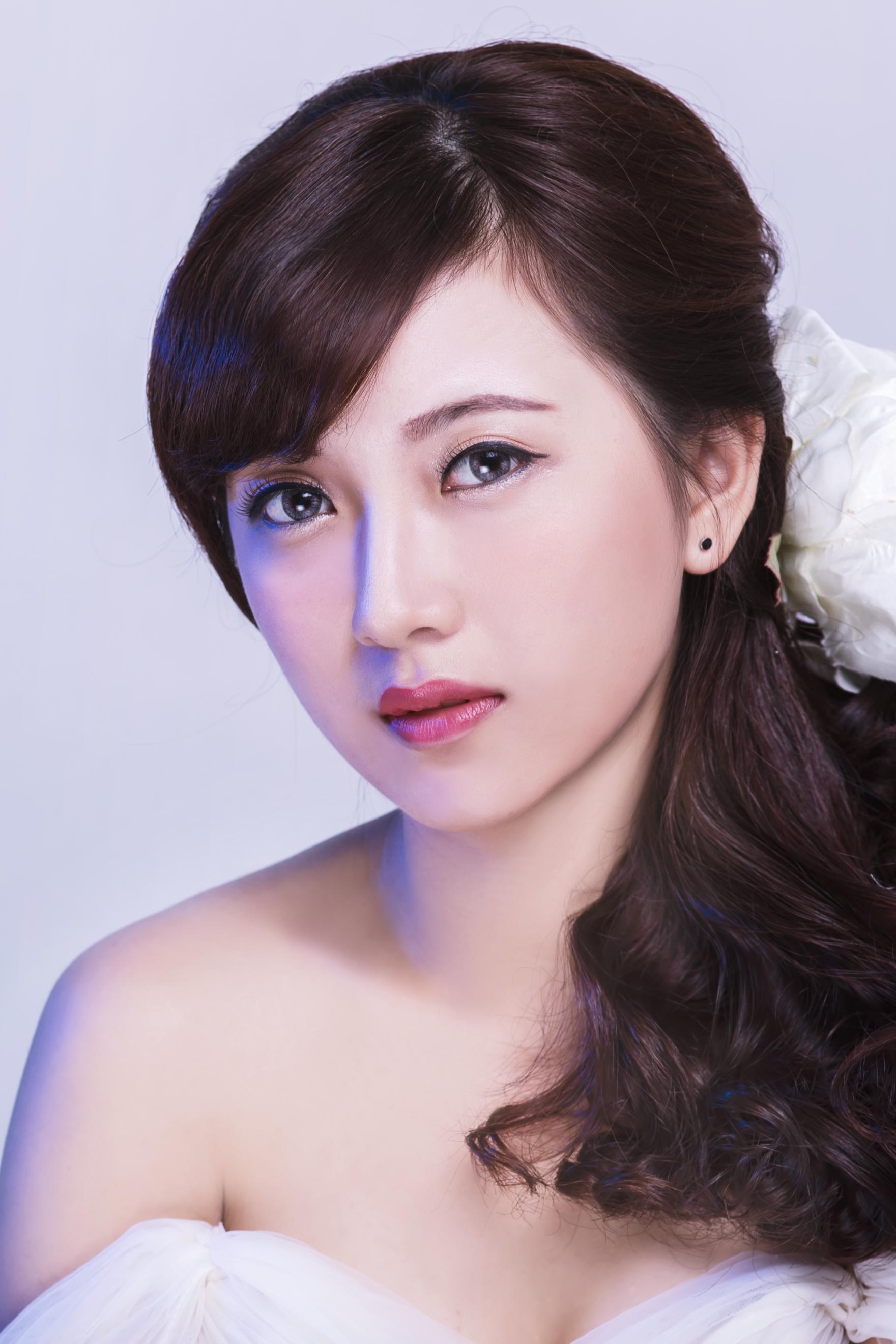 xu-huong-trang-diem-co-dau-phong-cach-han-quoc-len-ngoi1